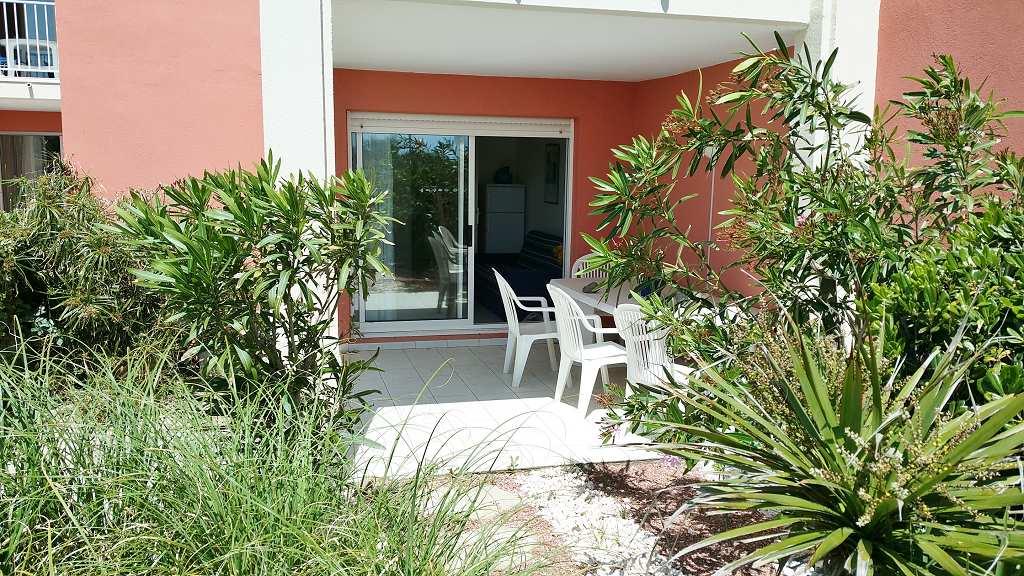 Vente appartement en rez de jardin le cap d 39 agde rochelongue for Le jardin inattendu agde